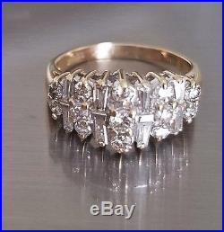 14K Yellow Gold (3.9 Grams) Round and Baguette Cut 1 Carats Diamond Ring