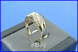 Women's 14k yellow gold round and baguette diamond anniversary band ring size 9